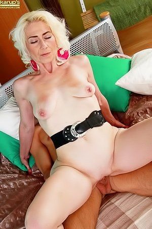 Janotova: Mature blonde with a pale body gets banged by this MILF/GILF hunter